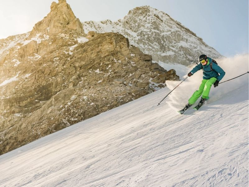 Happysport: ski and snowboard rental